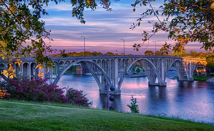 Beautiful Broad Street Bridge in Gadsden, Alabama